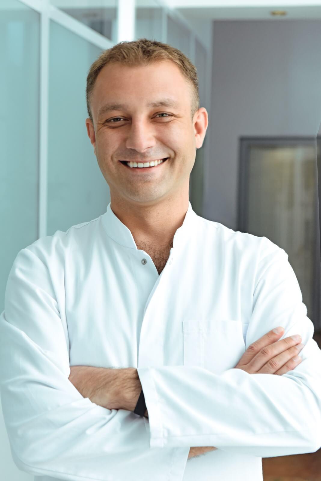 Андрей Сеник, ортодонт